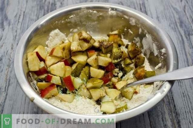 Gâteau aux fruits avec pommes, poires et noix