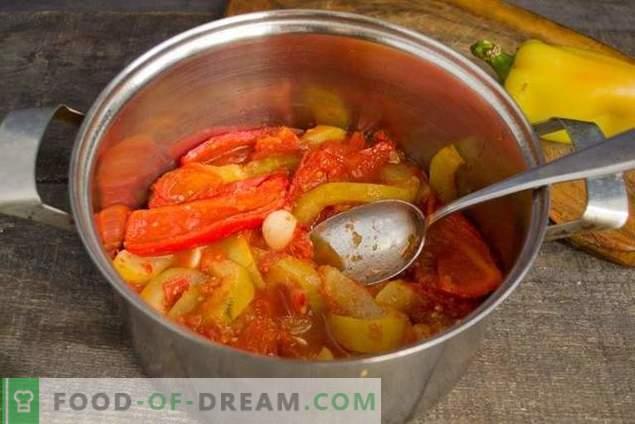 Zucchine in umido con pomodori e peperoni