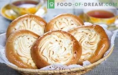Cheesecakes com queijo cottage: receitas passo a passo para o cozimento em casa. Cozinhar cheesecakes de levedura e sanduíche com queijo cottage em receitas passo-a-passo