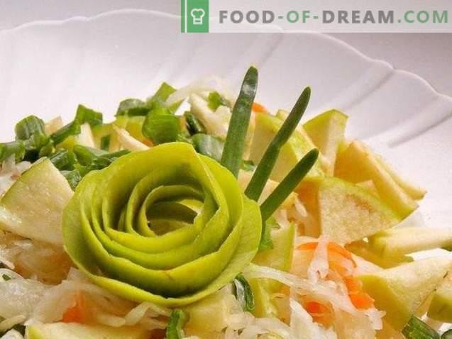 Salada de chucrute com maçã e cebolinha