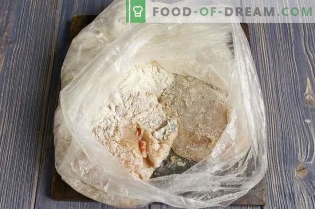Delicioso filete de pollo con queso en el horno