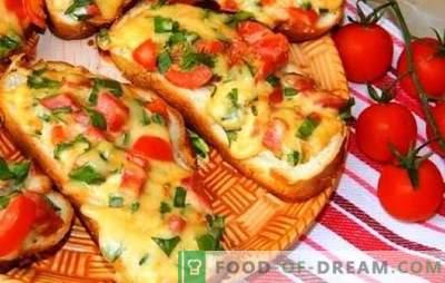Heta smörgåsar med smält ost - nästan pizza! Recept av olika heta smörgåsar med smält ost, korv, ägg