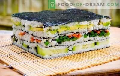 Sushi tårta: ljus och elegant! Matlagningssushi kaka med röd fisk, räkor, krabba pinnar, kaviar