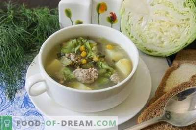 Green soup made from young vegetables - summer dish for every day